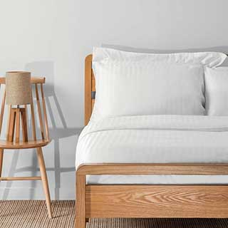 Hotel Duvet Covers - 1.5cm Satin Stripe - 100% Cotton - 200tc - Open End - White