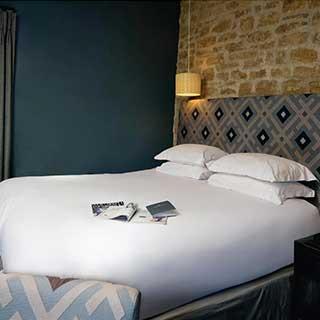 Hotel Pillow Cases - Oxford Style 66x92cm  - 100% Cotton - 300tc - Pack Qantity 1 - White